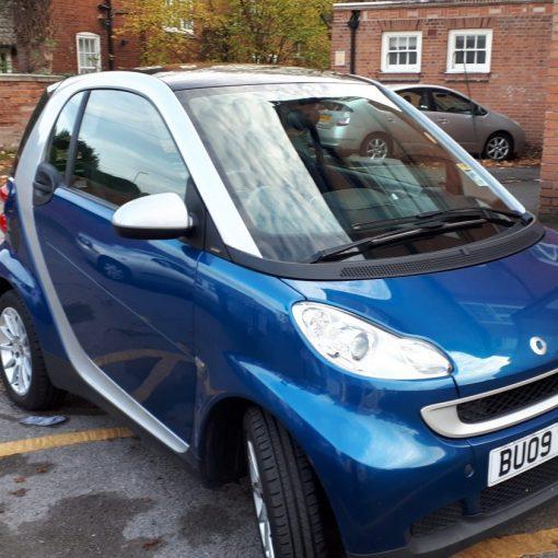 Blue Smart Car 2000 - front