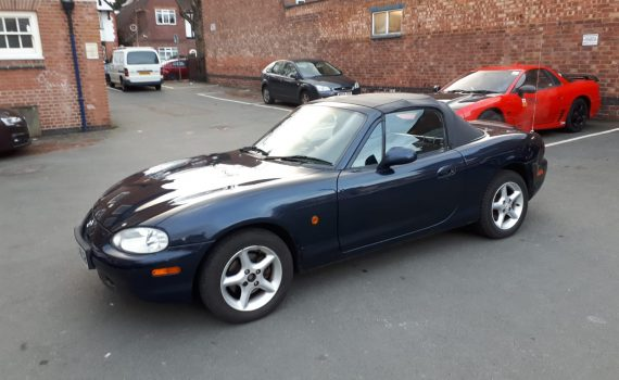 1999 Mazda MX5 For Sale - Front View