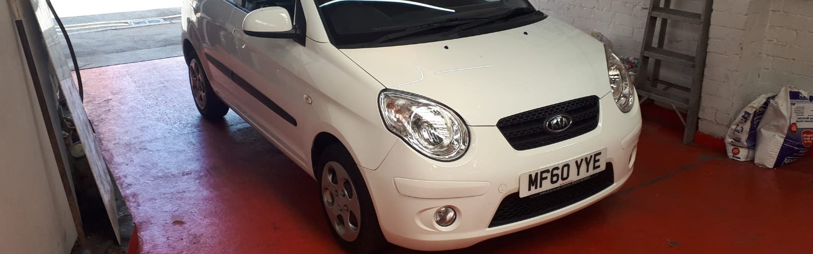 For Sale: White 2010 Kia Picanto